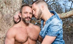 Guys Kissing Guys, Scene #04